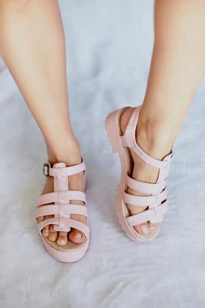 Sandália Salto Baixo Rosa