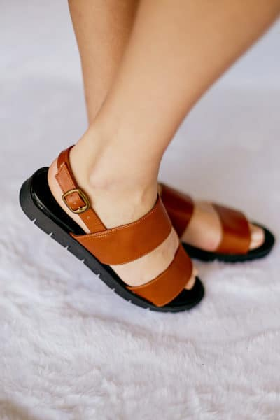Sandália de Tiras Marrom