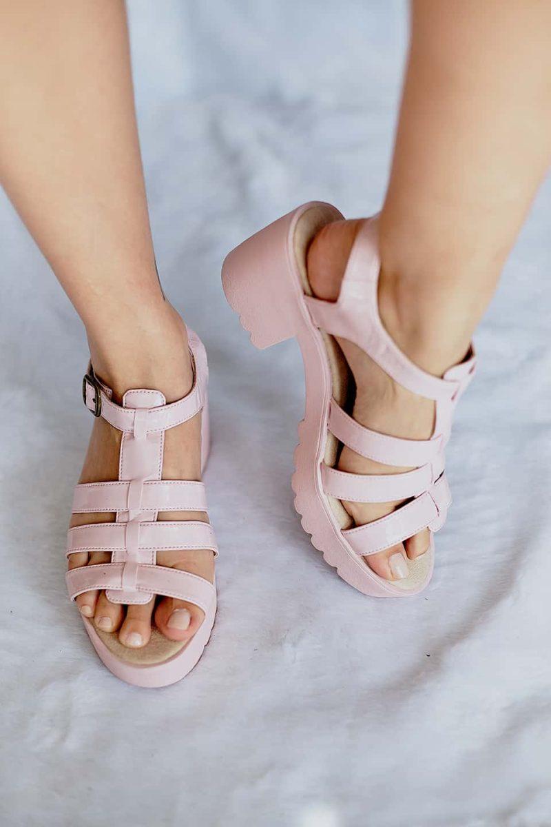 Sandalia de Tiras Salto Alto