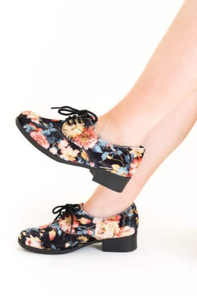 Sapato Oxford Veludo Floral Clássico