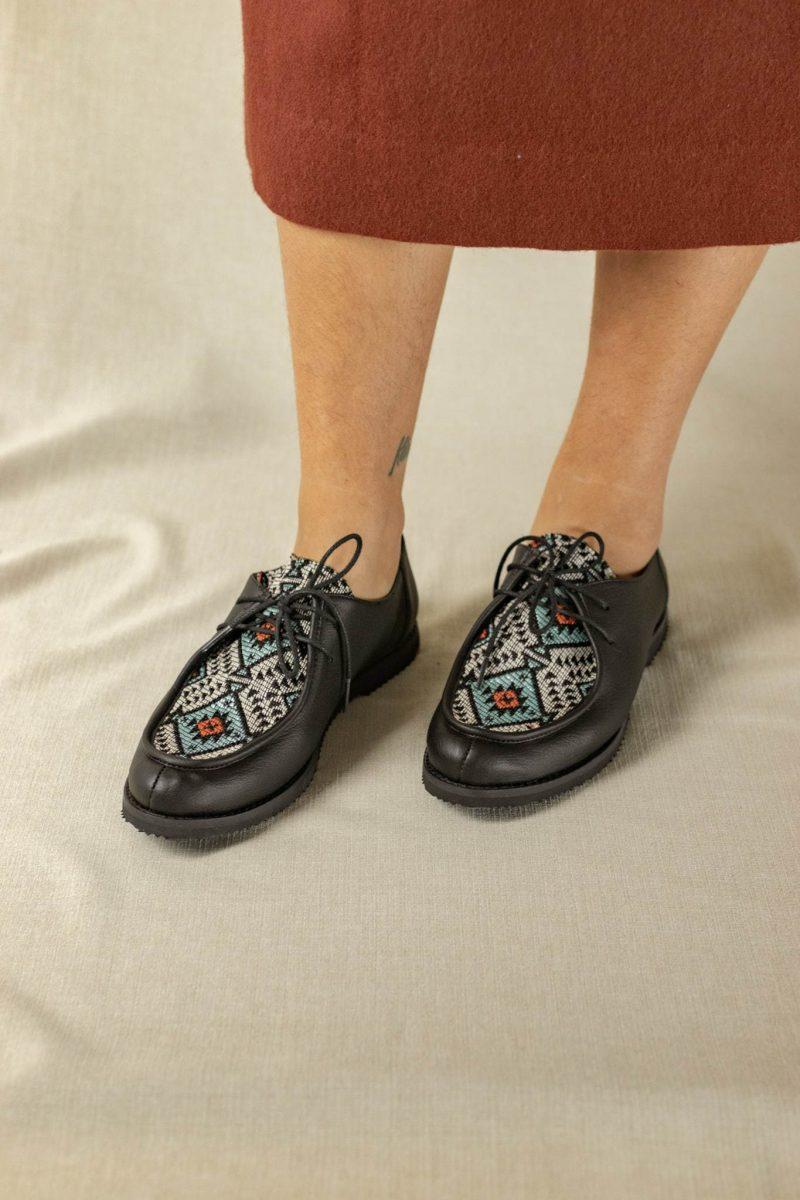 Sapato Yule Étnico Preto 1