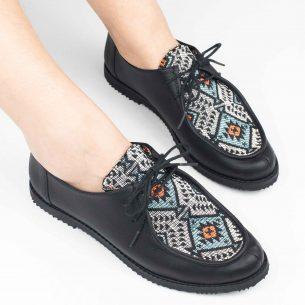 Sapato Yule Étnico Preto